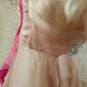 グラデーションカラードレスの画像