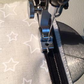 コンシールファスナーの縫い方の画像