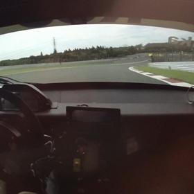 ロードバイクとレーシングカー 操り方の画像