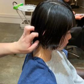 春が髪を切るの画像