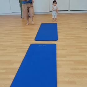 【6月ついに再開♥1歳児クラス開催報告】身体を動かして絵の具をしての初クラス開催♪の画像