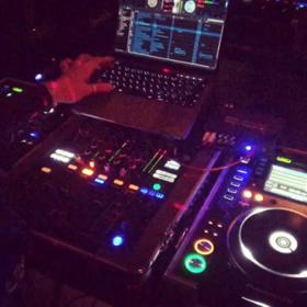 DJセット☆スタジオの画像