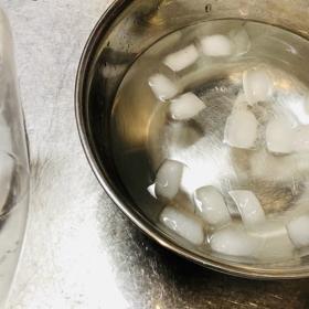 実験と、クリームソーダの画像