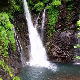 松尾芭蕉も訪れた滝空間の画像