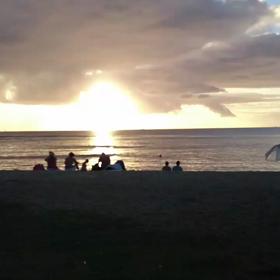 Hawaii☆WAIKIKI beach☆ピエンヌミニミニ手のひらの景色シリーズ♪の画像